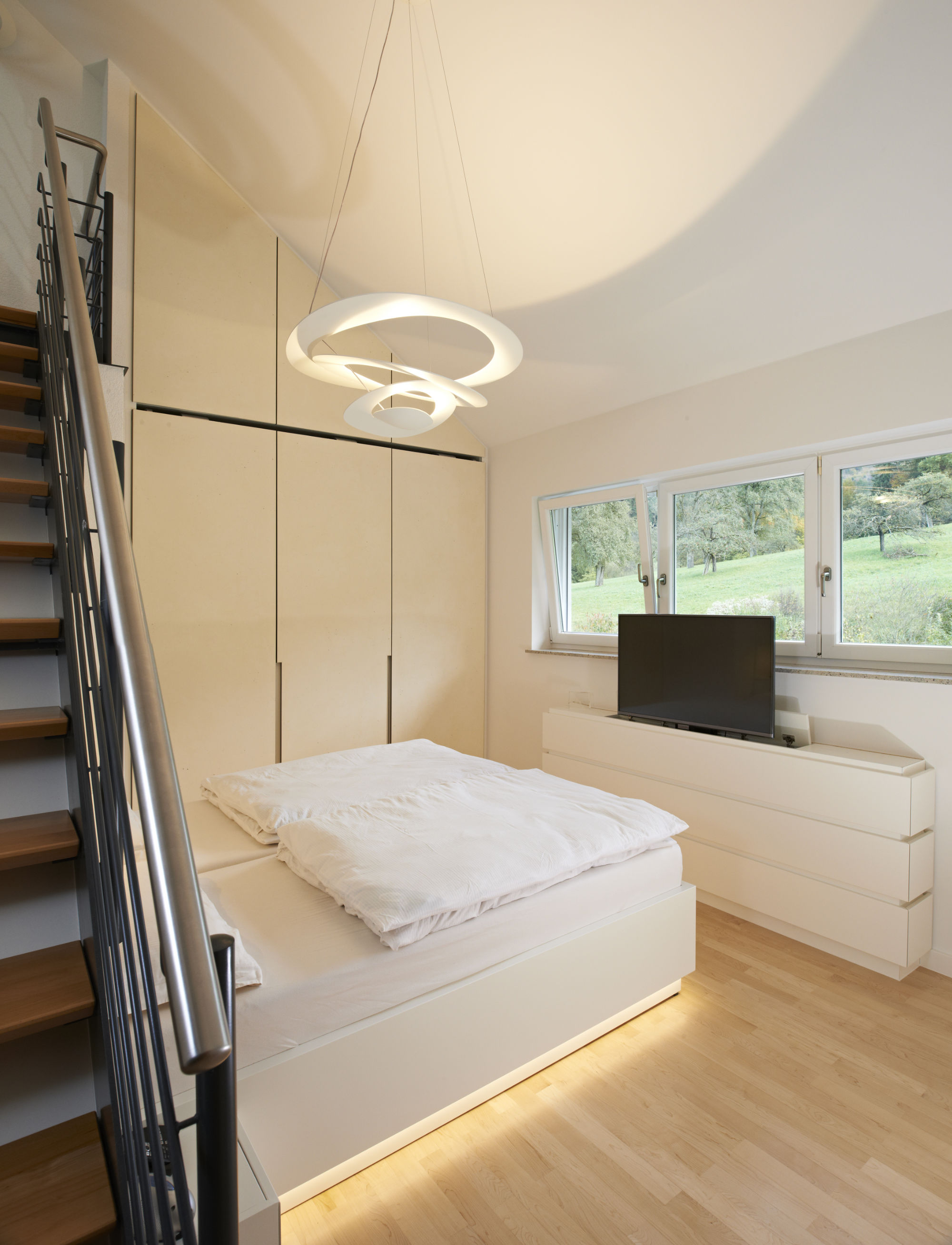 Schlafzimmer Bett Mit Tv Tapete Hinterm Bett Temobardz