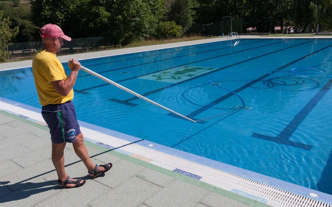 A piscina abrirá o 20 deste mes