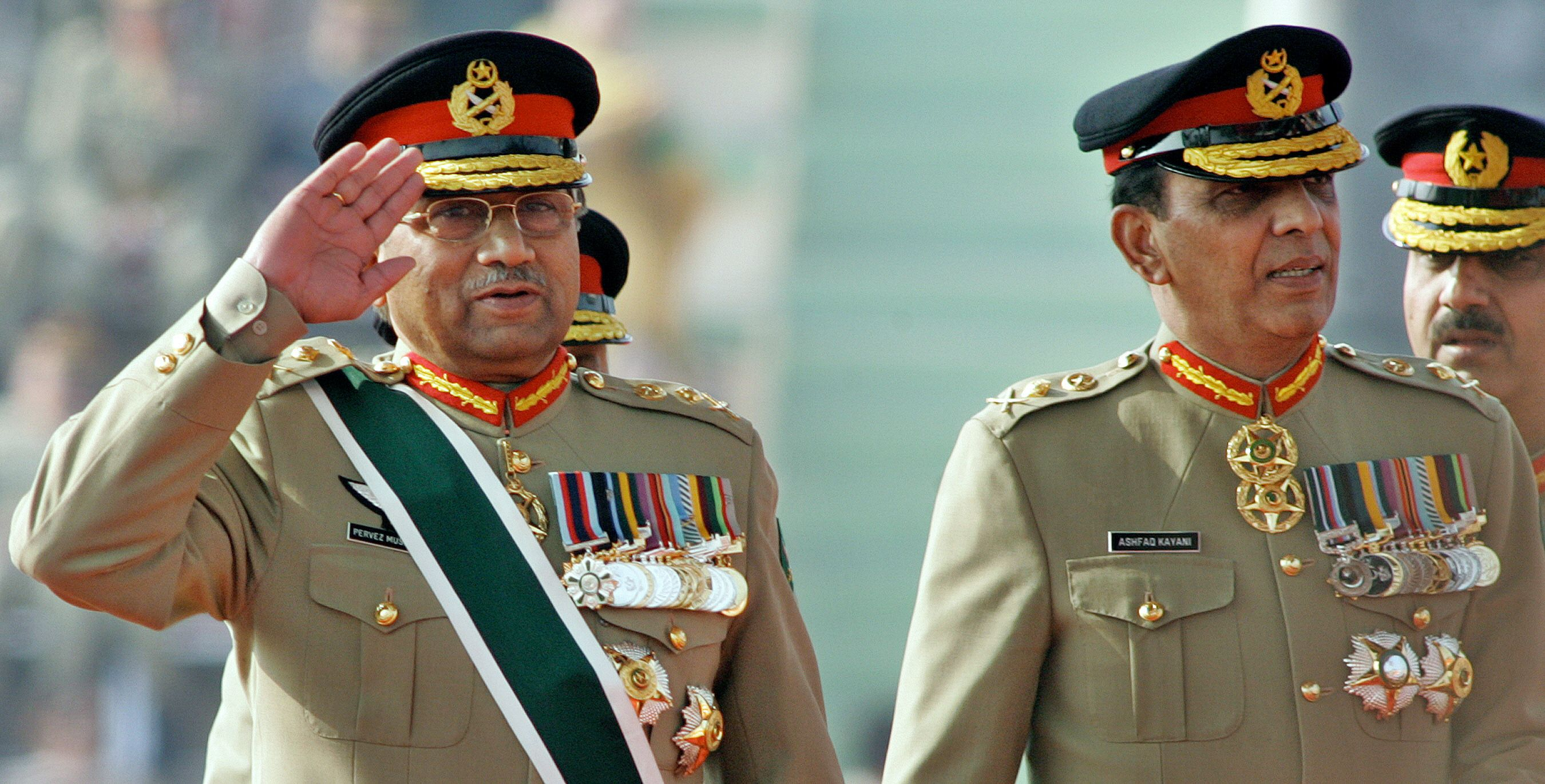 Is a palace coup unfolding in Pakistan?