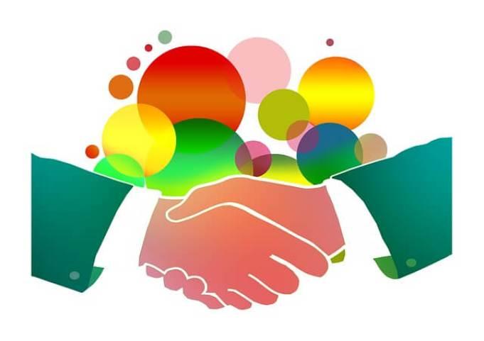 shaking-hands-1018096_640-1