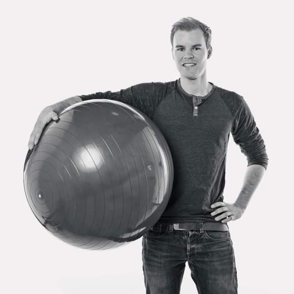 Jesper Beeldman van MoFysio komt bij jou thuis. Maak kennis met fysiotherapie aan huis in regio Alkmaar.