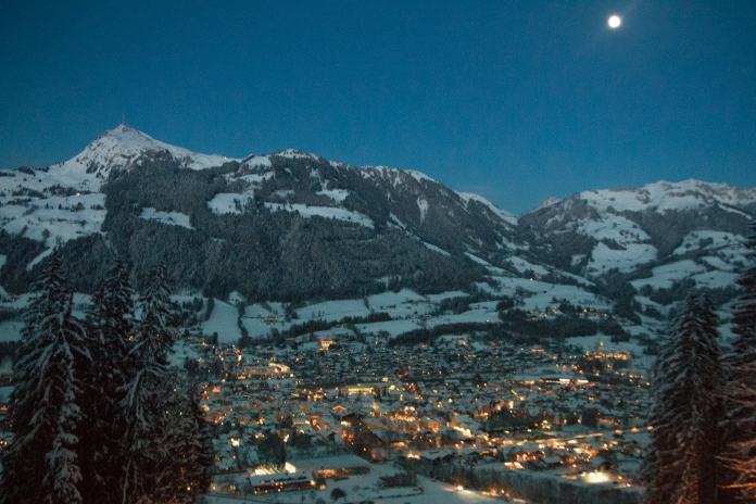Kitzbühel, night, winter, mogasi