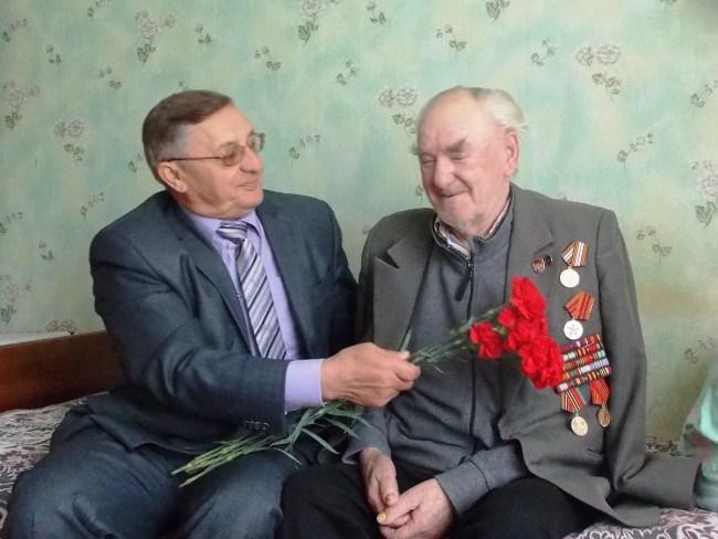 Кулешов Зайцев - бывший председатель обкома профсоюза, командир партизанского отряда в годы Великой Отечественной войны