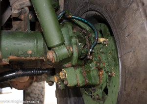 Mercedes Unimog kingpin and hub