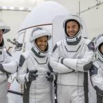 SpaceX a revenit pe Terra după trei zile în spaţiu