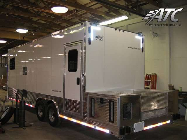 Oil  Gas Trailers  Custom Trailers  MO Great Dane