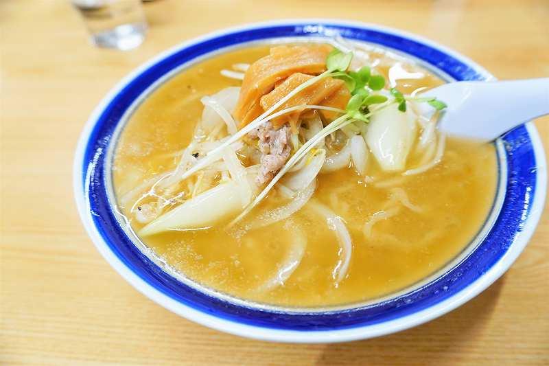 """""""味の三平"""" 鉄板の 味噌ラーメン"""
