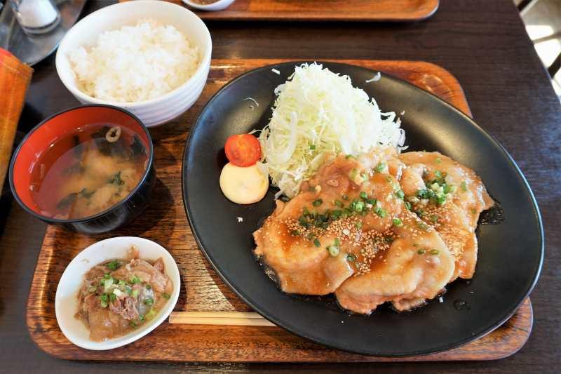 ひこま豚食堂ブーデリの「究極の生姜焼き定食」