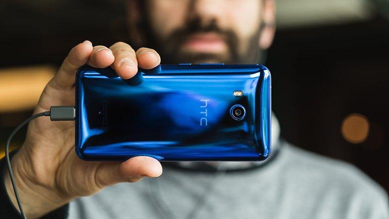 بدأت HTC في إطلاق تحديث نظام Android Oreo لهاتف HTC U11