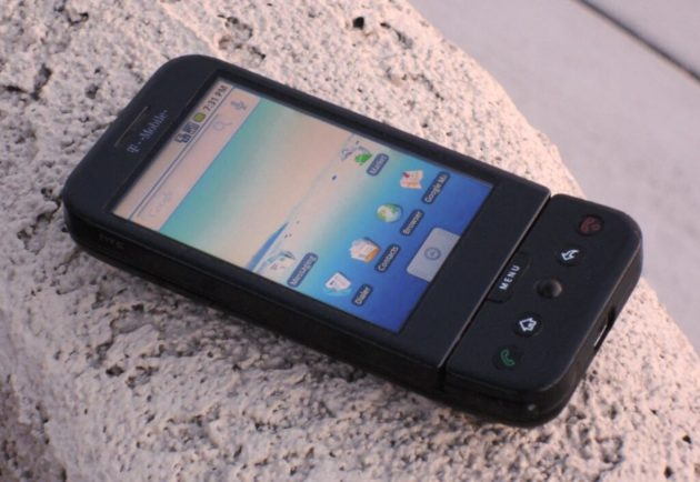 أول هاتف أندرويد على الإطلاق من HTC