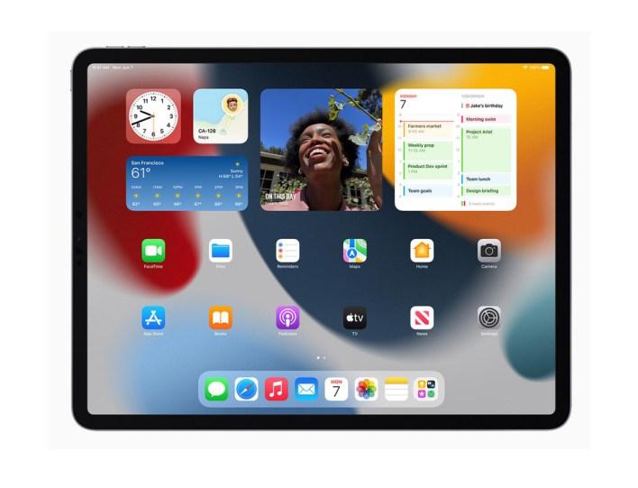 iPad OS 15 Wallpapers