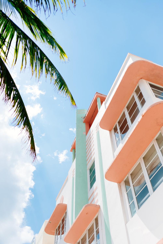 ocean drive miami art deco architecture quartier pastels vert leu eau orange pastels