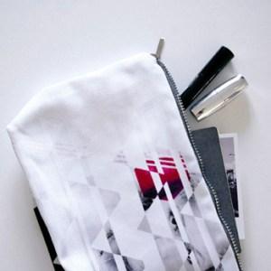 jolie pochette originale blanche made in France petite quantité qualité créateur designer mohanita creations maquillage make up