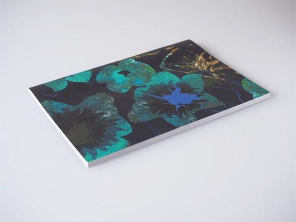carnet A5 face page blanche motif et design made in france shop papeterie cadeau original originaux fleurs motifs pattern vert green pantone trends tendances