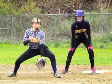 Jenelle Pabis ready at first base