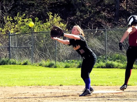 Alyssa McNulty making a play at first