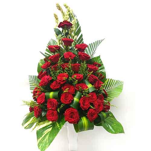 Online Gifts Delivery In Dubai UAE Rose Flower Vase