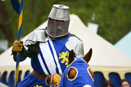 Ritter blau gelb