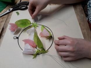 Disposition des fleurs sur la couronne