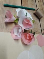 fleurs terminées, plus qu'à les fixer !