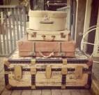 suitcases_yolandi