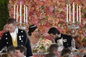 Flower-Wall-Sweden-Royal-Couple