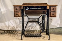 Antique Singer Sewing Machine with Iron Treadle and Table ...