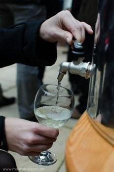 Pierwszy kieliszek wina