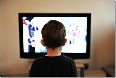 enfant devant tele