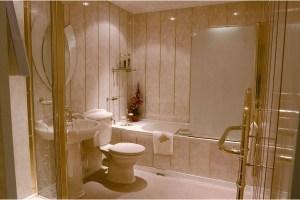 Отделка ванной с помощью пластиковых панелей