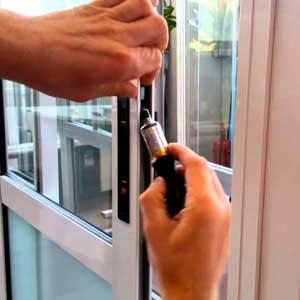 Регулировка и мелкий ремонт пластиковых окон своими руками