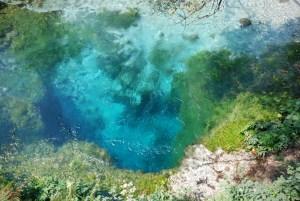 Oko smoka? Jedno z najbardziej tajemniczych i kultowych miejsc w Albanii. Niebieskie Oko.