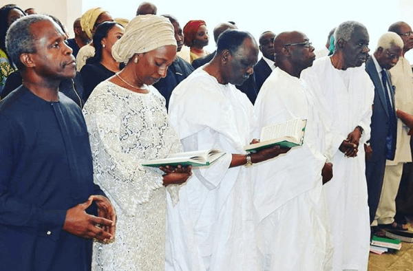 aso-villa-chapel-thanksgiving-service5-600x394