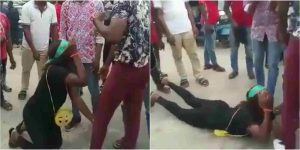 Lady Left In Tears As Boyfriend Rejects Wedding Proposal In Warri (Video)