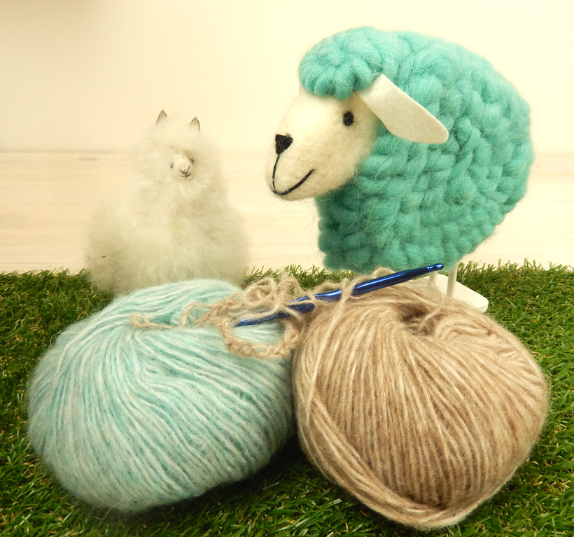 alpaca-and-sheep-pals