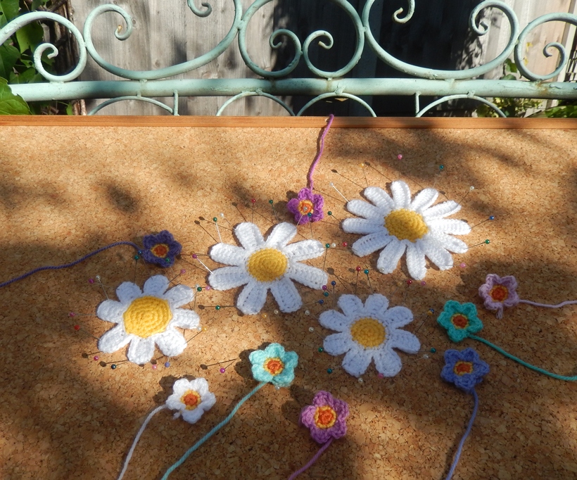 crochet-daisies