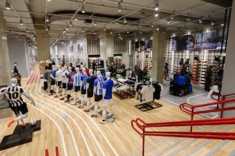 211 retail stores