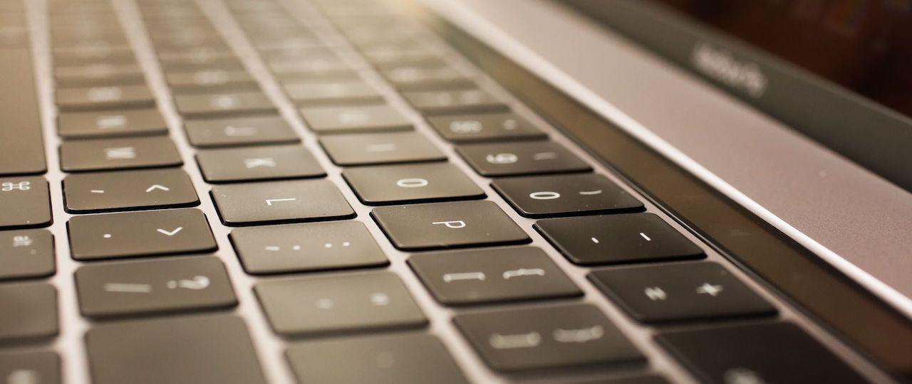 Macbook: szklana płyta mogłaby w przyszłości zastąpić klawiaturę Butterfly
