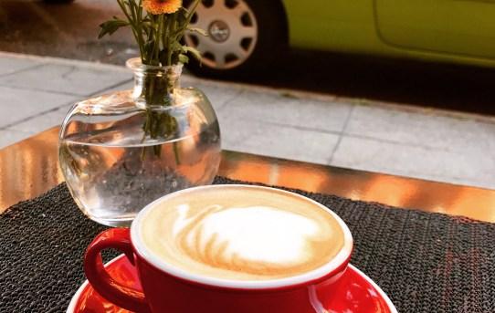 Neu im Heusteigviertel: Kaffee, Frankreich & süße Stückle im Moustache