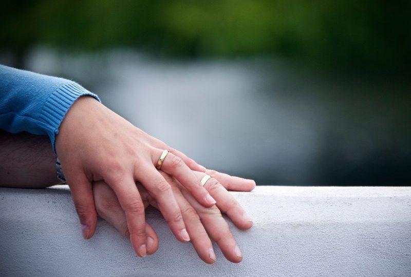 cincin untuk menikah