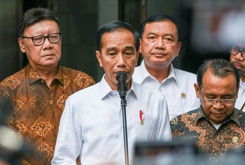 Bung Jokowi, Saya Sangat Meragukan Komitmen Situ Tentang Demokrasi, berdamai dengan corona