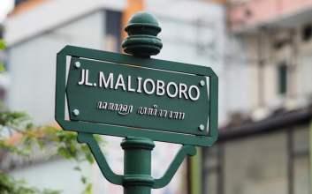 Nggak Usah Sok Ngomong Bahasa Jawa Saat Belanja di Malioboro, Nggak Semua Pedagangnya Orang Jawa Kok!