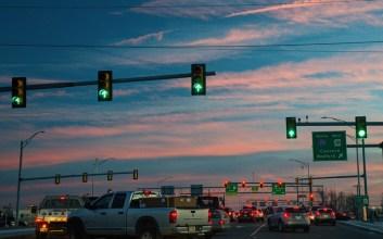 Beberapa Alasan Kenapa Kamu Nggak Perlu Jengkel Kalau Diklakson di Lampu Merah