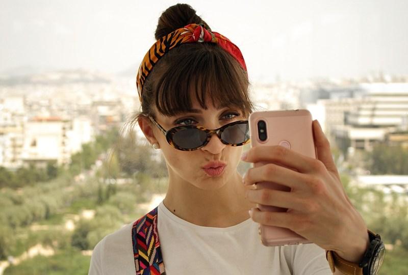 Kenapa Selalu Ada Orang yang Posting Foto Selfie pada Hashtag yang Sedang Trending di Twitter?