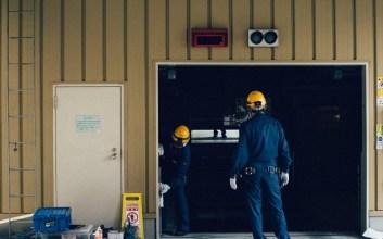 Kalau Negara Gagal Nyediain Lapangan Kerja, Masak Buruh yang Bayar?
