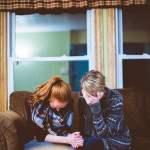 konflik keluarga, keluarga korban toxic masculinity RUU Ketahanan Keluarga Bikin Mimpi Buruh Upah UMK untuk Nikah Ambyar