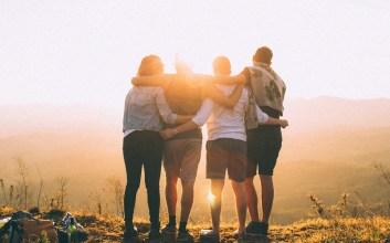 Menjadi Teman Dekat Bukan Jaminan Menjadi Teman Curhat