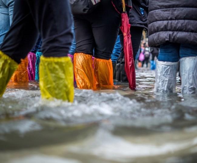 Kita Terlalu Sibuk Ngomongin Anies, Sampai Lupa Pemberitaan Banjir Jakartasentris Banget