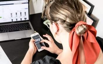 tips mengendorse influencer di instagram untuk jualan online shop rate card adalah Repost Ucapan Ulang Tahun di Instagram Stories, #WeShouldAlwaysBeKind