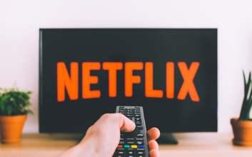 Rekomendasi TV Series untuk Kamu yang Harus Stay di Rumah
